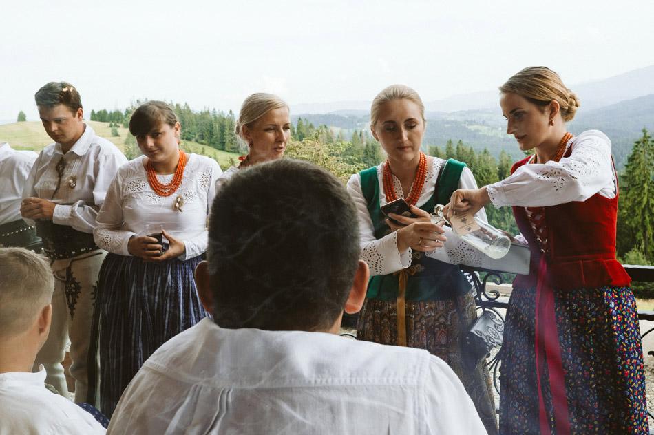 folkowe wesele w górach