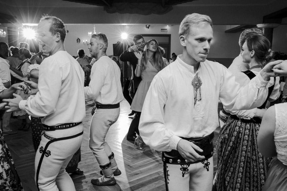 folkowa zabawa weselna