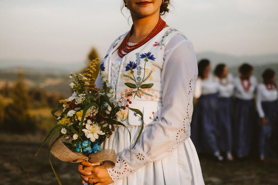 folkowy gorset na ślub i wesele