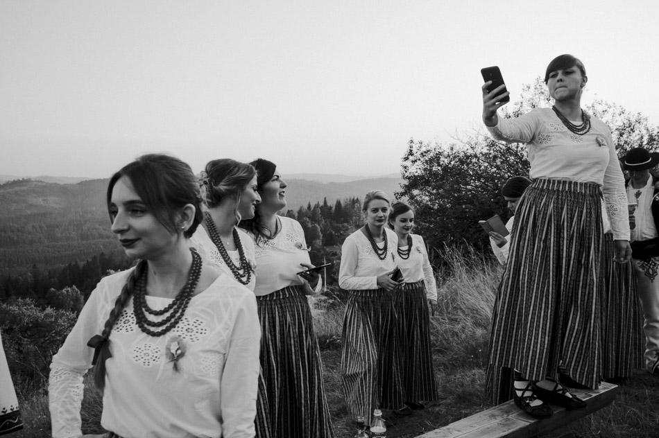 selfi podczas sesji ślubnej